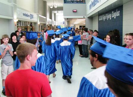 Graves County Middle School students find inspiration through march of long line of 2015 Graves High grads