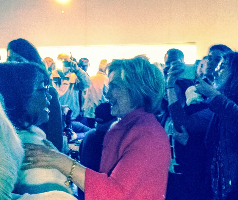 Clinton attracts over 100 to Monday Paducah appearance