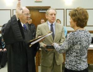 Yates sworn in as Hickman Circuit Clerk   Hickman County, judicial, Bill Cunningham, Cinda Yates, Tim Langford, Kentucky