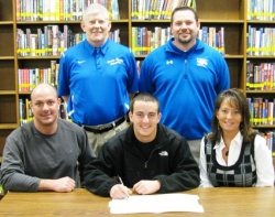 Crawford signs with MSU