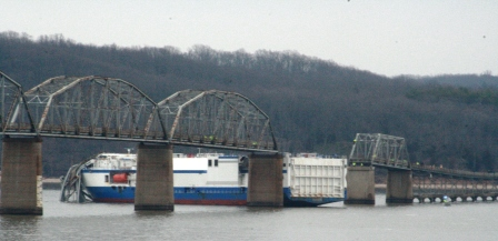 Delta Mariner - as wide as two bridge spans