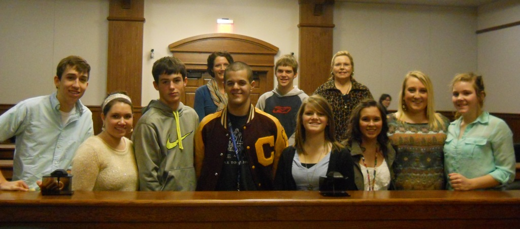 2013 Carlisle County Mock Trial Team at Carlisle County Courthouse