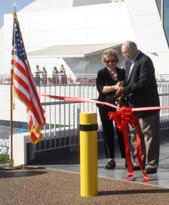 Robert and Jenny Kirkland open The Discovery Park of America November 2013