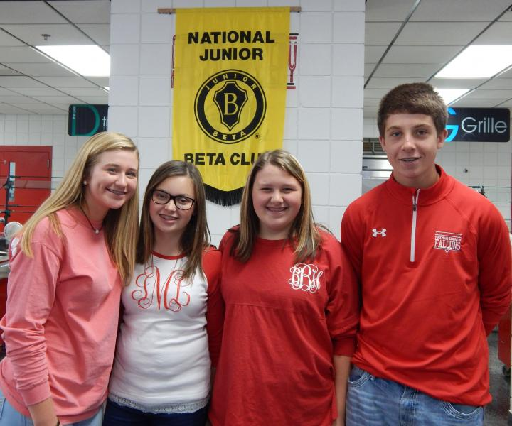 Junior Beta students honor public employees