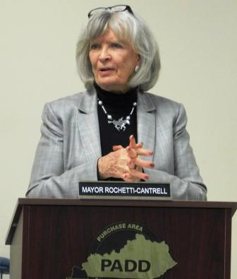 Former Governor Martha Layne Collins addresses local officials