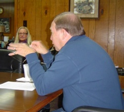 Clinton Mayor and Council Members Discuss Future