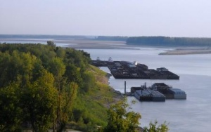 National Security Issues of a Closed or Crippled Mississippi River