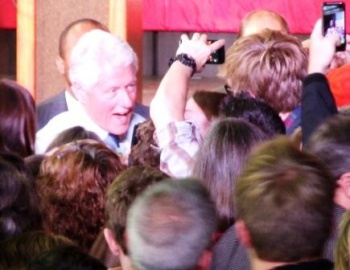 Bill Clinton in Green Bay: wading into issues and crowd