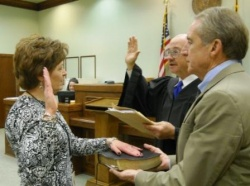 Yates sworn in as Hickman Circuit Clerk