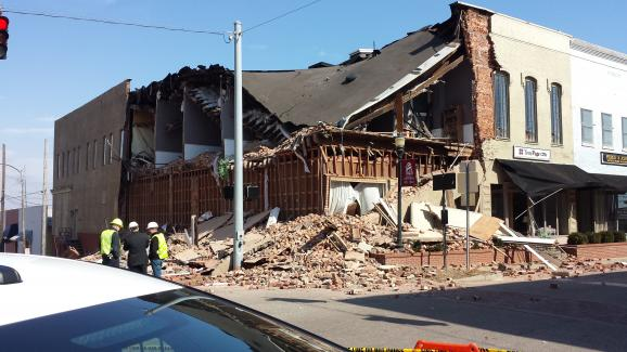 Falling down. Falling down. Building collapses in west Kentucky