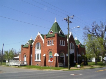 A Romanesque Revival: First Christian Church, Clinton, Kentucky