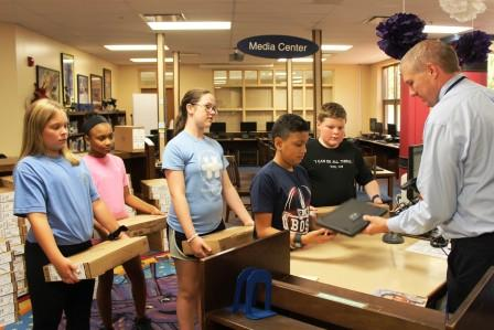 Graves Central Elementary 6th graders receive Chromebooks