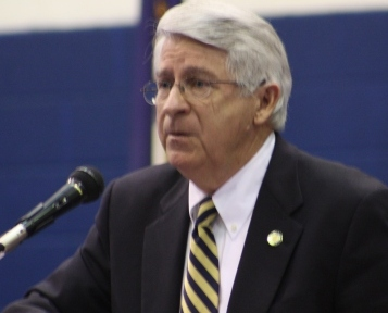 Senator Ken Winters at PEAK Awards program